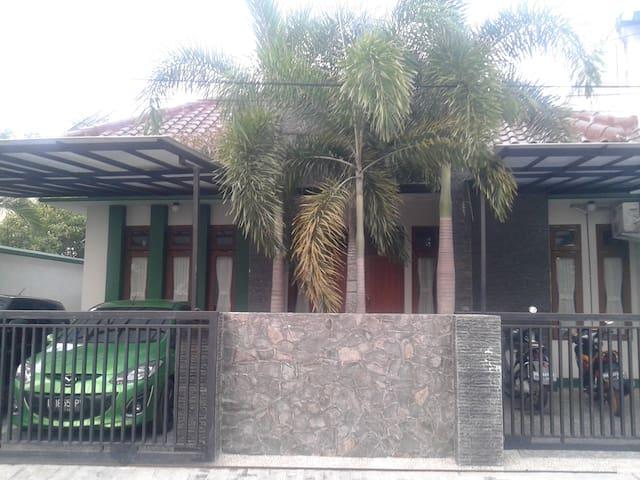THE JECKS FAMILY HOME STAY - Palangka Raya - Ev
