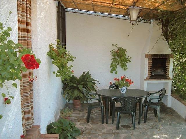 Casa El Granero, a 7 Km de Granada - Monachil  (granada) - House