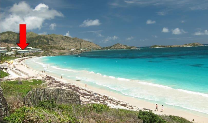 Beachfront oceanview Aruba studio