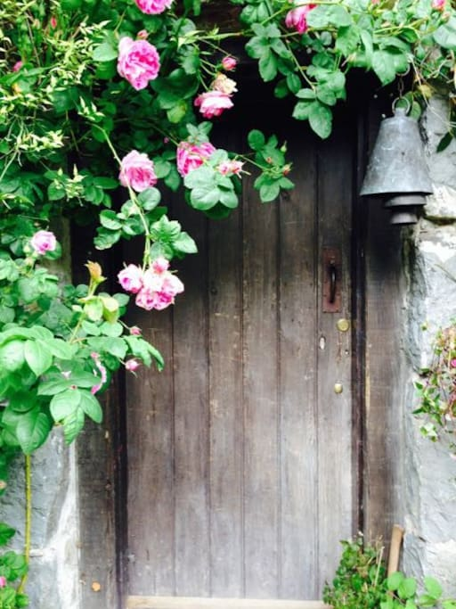 A welcome door to the Farmhouse