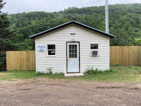 (Meat Cove) Mountain View Cabin