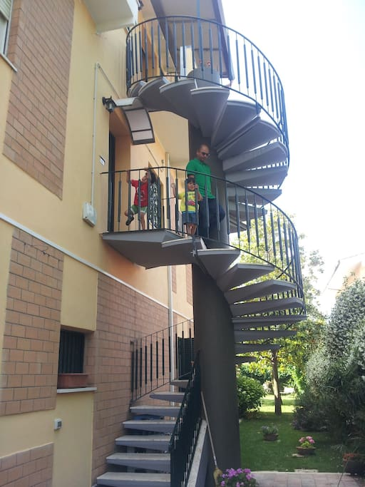 You can access the apartment  from the spacious spiral staircase to access  first floor!