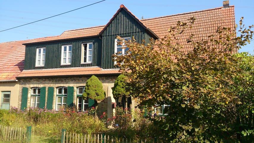 gemütliches Zimmer in Bauernhaus - Crivitz - Casa