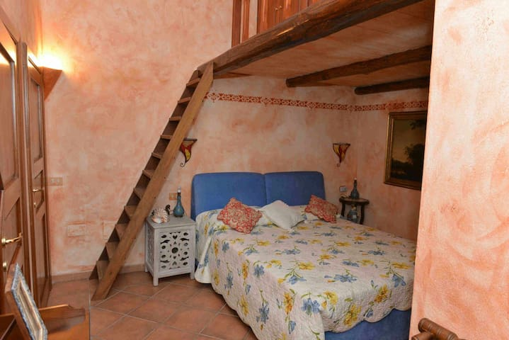 Casa nel cuore de La Maddalena - La Maddalena - Apartemen
