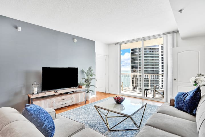 Amazing Views Penthouse 42nd Floor 2Bedrooms/2Bath