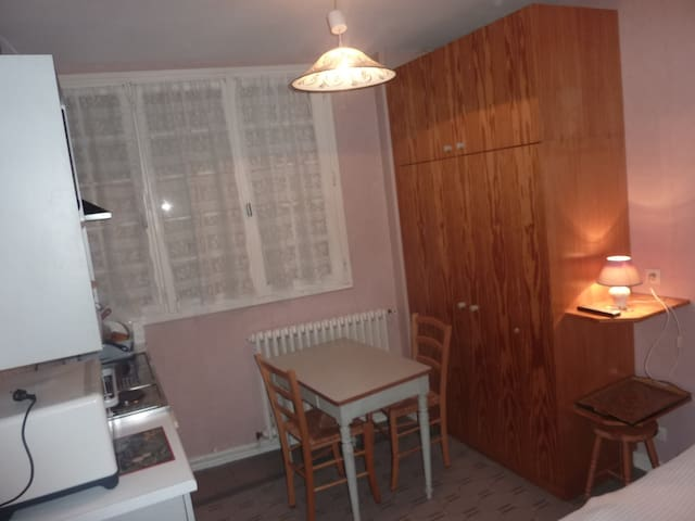 Studio en centre ville - La Roche-Posay - Appartement