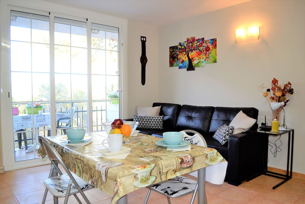 Un salon agréable, lumineux et spacieux !