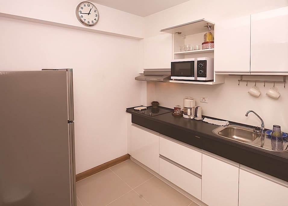Separate Kitchen next to Entry