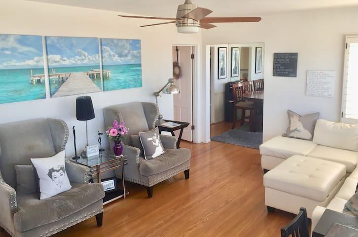 """""""Happy Beach House"""" Oceanviews Close to Beach/LAX"""