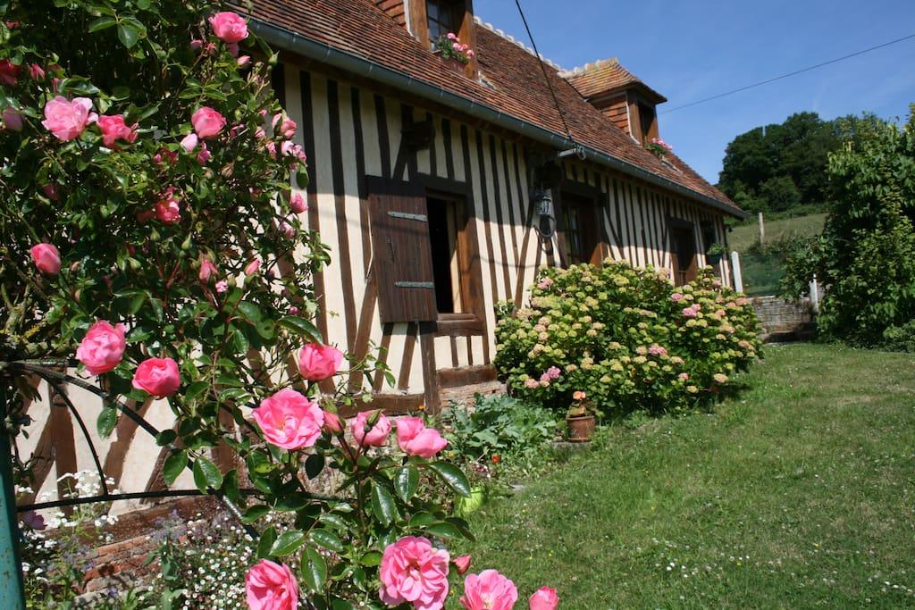 Maison normande en pays d 39 auge avec piscine priv e for Location maison avec piscine en normandie