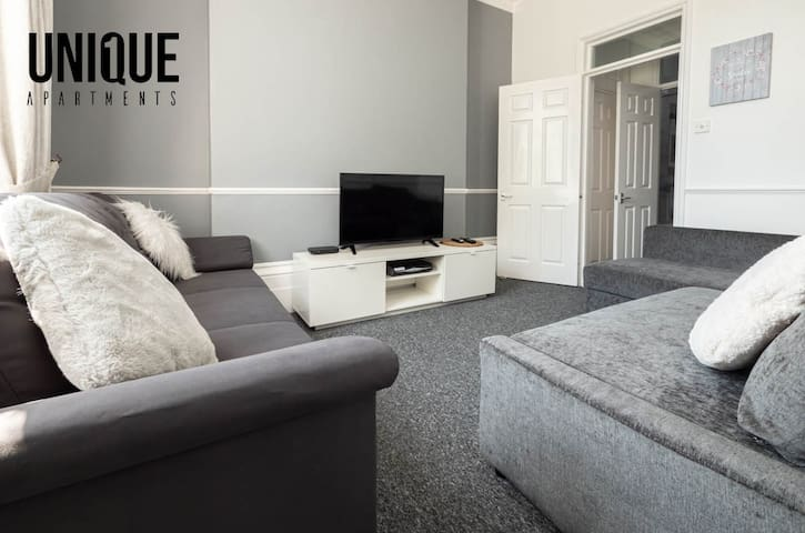 ✰Modern 1 Bedroom Apartment with Free Parking✰