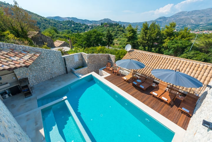 Holiday Home Villa Frane with privat swimming pool