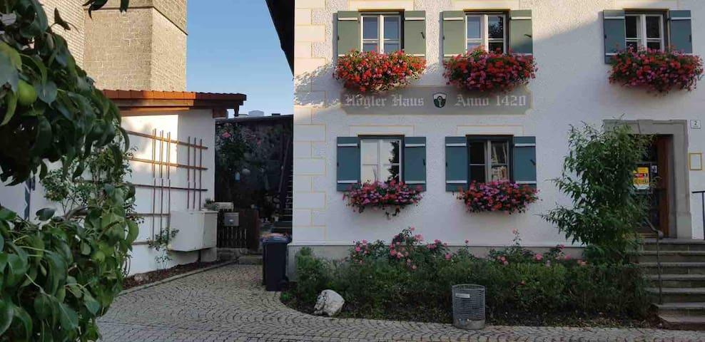 Höglerhaus am Dorfplatz