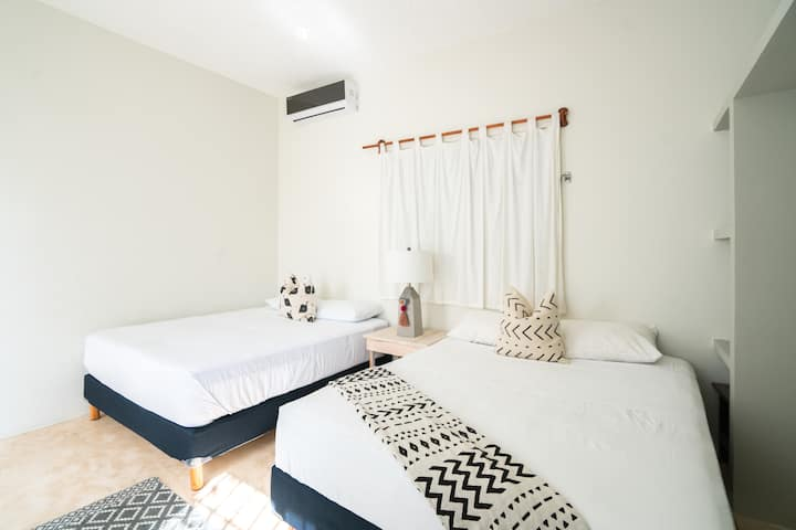 Room Trinidad spacious/comfy + pool Macorina