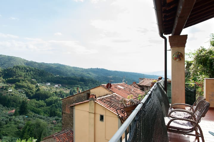 Tuscany  views,  food, wine & walks - Vellano - Wohnung