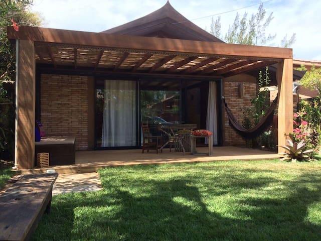 Casa Thai Linda ao lado da Praia - Imbituba - Huis