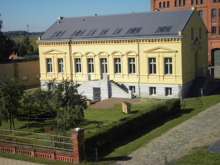 Villa Vierraden für Gruppen bis zu 28 Personen