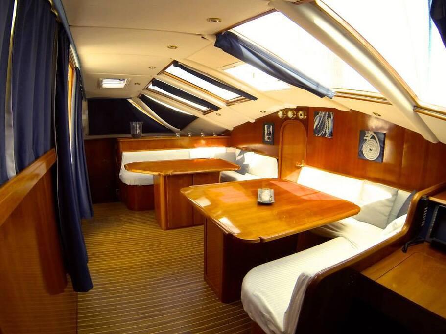 Nuit bord cabine standard n 2 sur cata manua bateaux for Cabine vecchio stile