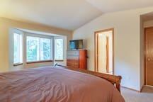Master Bedroom, Master Bath, TV (AppleTV)