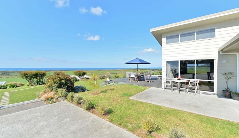 Luxury Bach with Commanding Views - Whangarei Heads - Casa