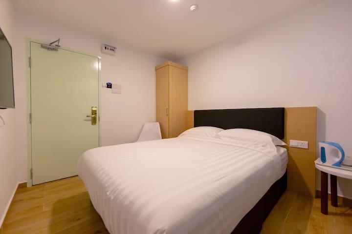 Melaka | Superior Queen Room. [2 Pax]