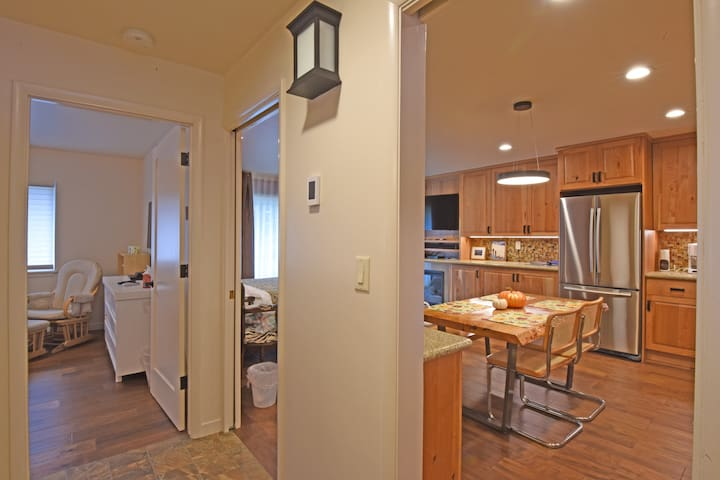 Squaw Valley Condo with Gourmet Kitchen - Tahoe City - Appartement en résidence