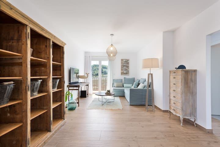 Amazing Family Apt' In a Farm With Horses & P00L