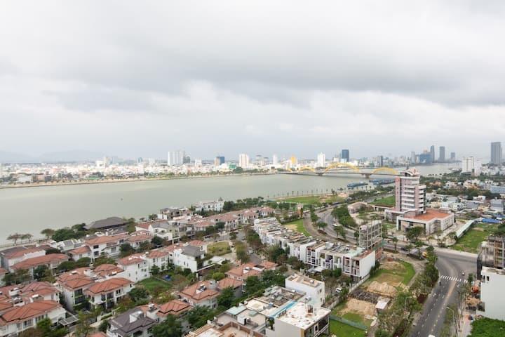 Riverside Monarchy Apartment in Da Nang