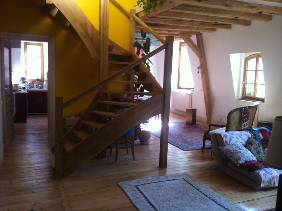 chambre au centre ville appartementen te huur in besan on bourgogne franche comt frankrijk. Black Bedroom Furniture Sets. Home Design Ideas
