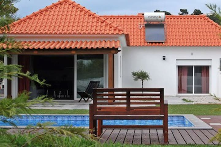 Countryside House with swimming pool, near Óbidos