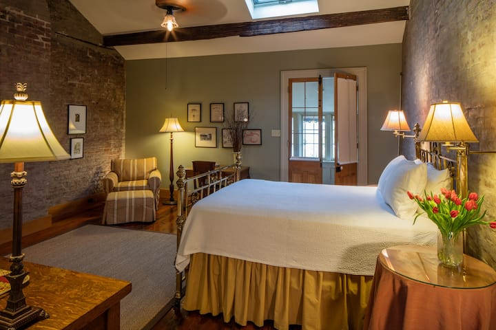 Large Two Room Attic Suite with Private Bath