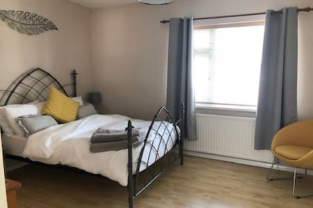 Comfortable house in the centre of Warwick