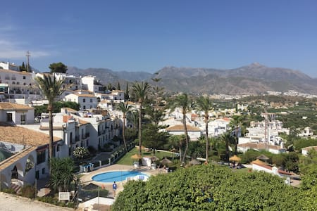 Casa Lisa, apartment in Nerja, access to pool