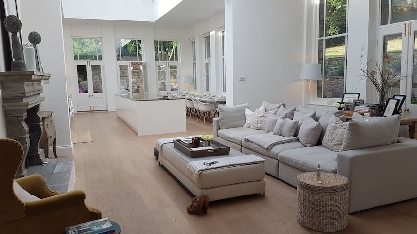 Stylish 5 Bedroom House in private grounds - Gateshead - Haus
