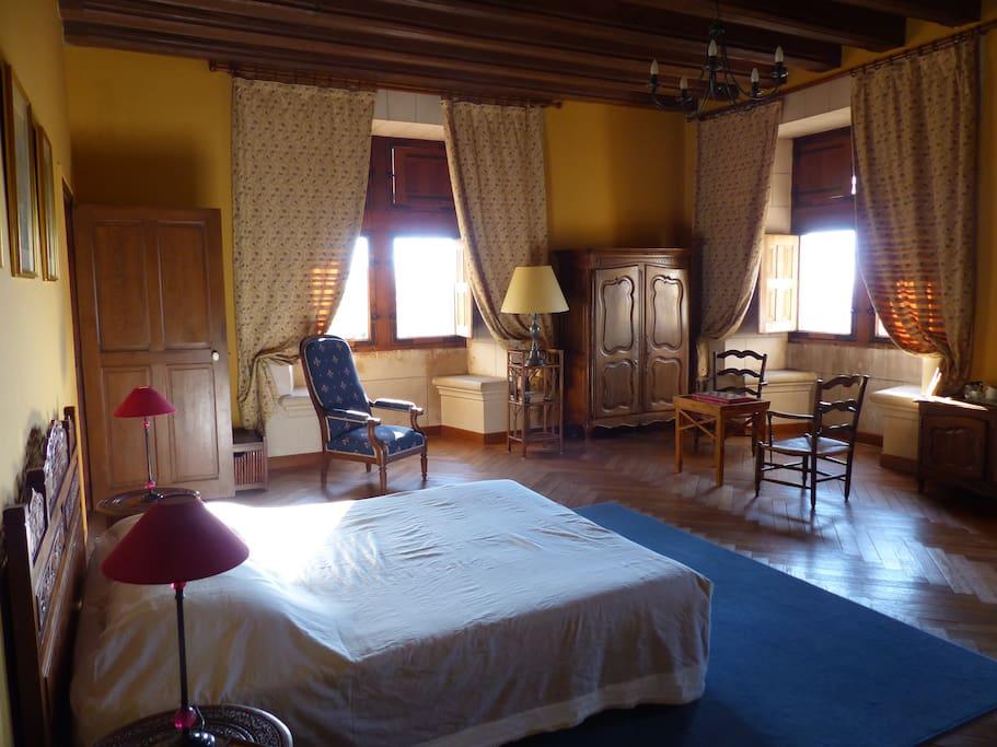 Chambre Jacques Coeur, donnant au sud sur la vallée de la Loire
