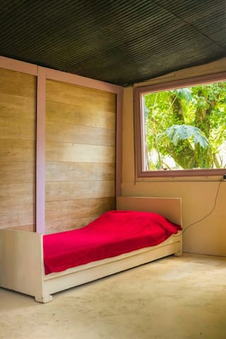 Single fin surf camping -Single bed summer house
