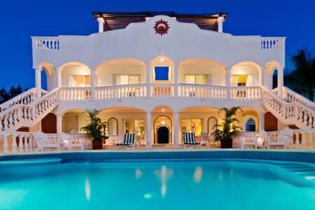 CHANGO VILLA 7 Bedroom Caribbean Beach Front Villa