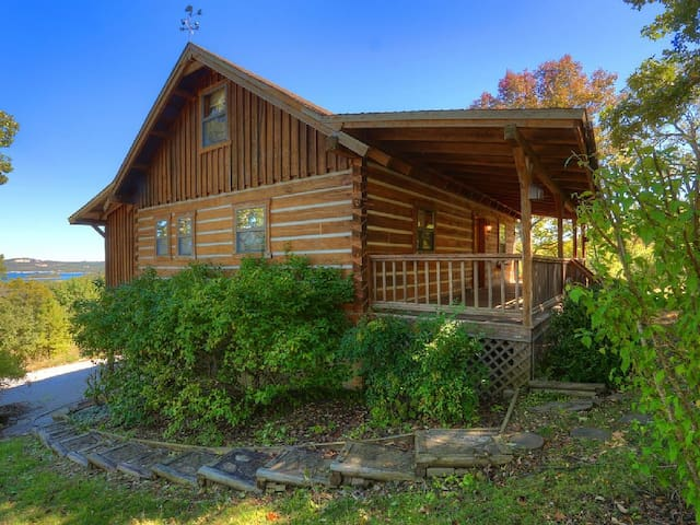 A cozy Log Cabin with adjoining 26 acres - Blue Eye - Casa
