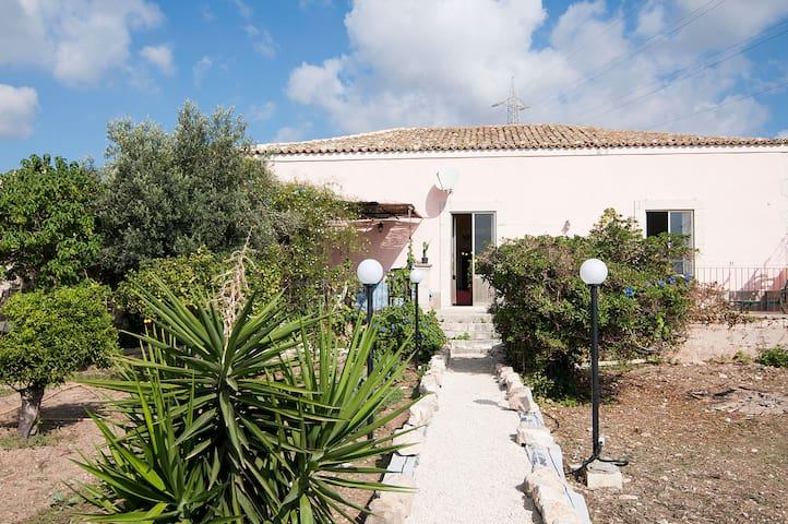 old holiday home POZZALLO 12beds!! - Pozzallo - Villa