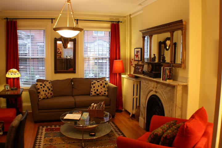 $99 Special!! Home Away! Condo - Boston - Apartment
