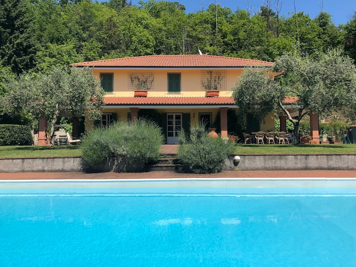 Villa San Giusto 10 pax with pool, near to 5Terre