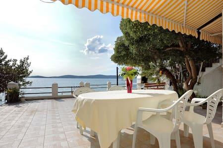 Great Offer:Apartment Mikulandra on the beach 1 - Bibinje - Wohnung