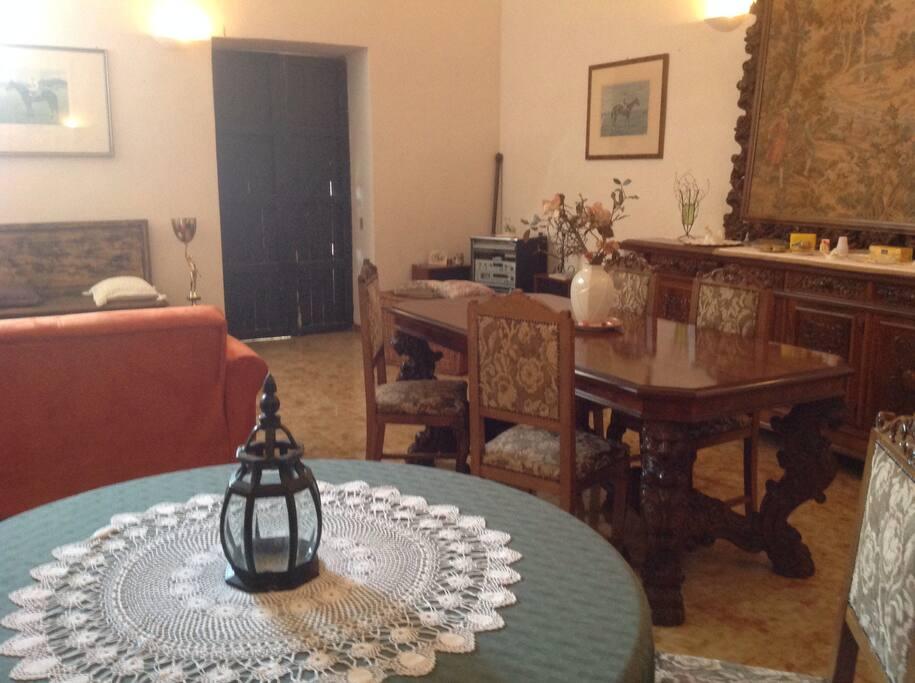 La Sala colazione nella casa padronale del '700 siciliano