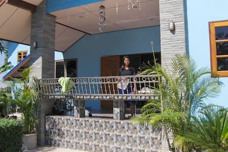 Singburi Thailand Country Homestay - Singburi - Casa