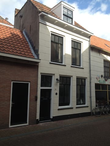 Small house in historic Kampen - Kampen - Casa