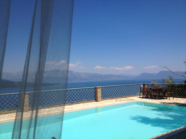 Luxurius, pool, seaviews - Asteria - Lefkada