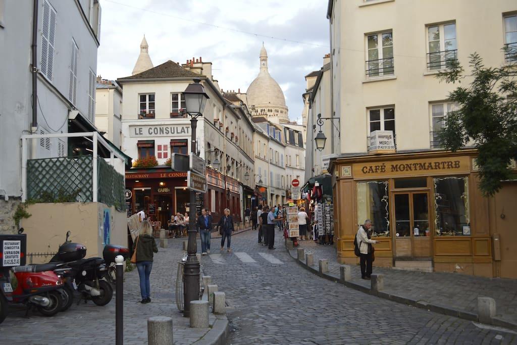 2 minutes away from the Sacré Cœur of Montmartre