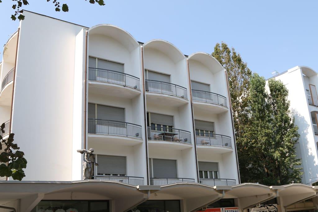 Appartamenti sul mare mil mar appartamenti in affitto a for Appartamenti budoni affitto agosto