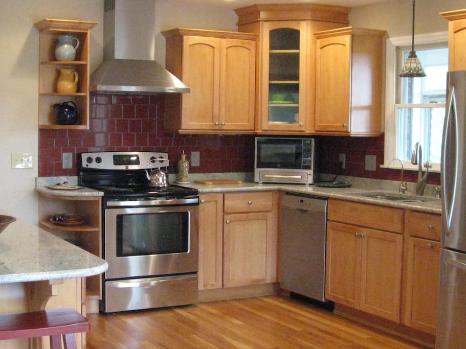 Well equipped kitchen, includes microwave oven and 10 cup coffee pot...