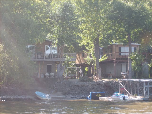 River cabin overlooking Mississipi